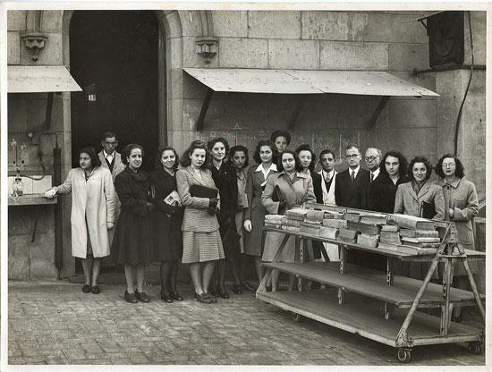 bibliotecaries1945
