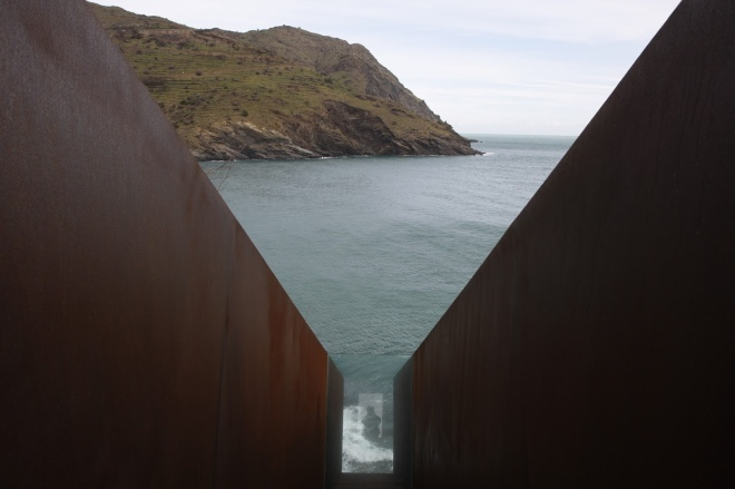 Memorial Walter Benjamin, per Dani Karavan (1994).