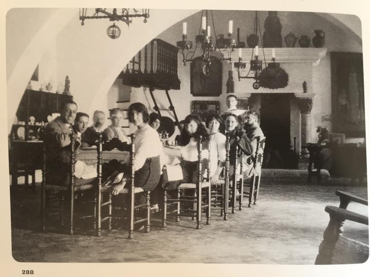 ramon-casas-i-els-seus-familiars-dinant-a-maricel-c1914