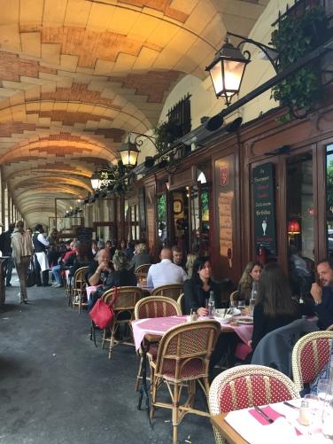 Frèia Berg, Place des Vosges: el restaurant (2017)