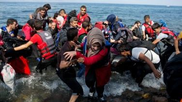refugees-arrive-on-lesbos